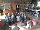 Klasa 0 i 3 na lekcji bibliotecznej_3