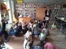 Klasa 0 i 3 na lekcji bibliotecznej_5