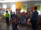 Książki o Pszczółkach - lekcja biblioteczna dla najmłodszych_12